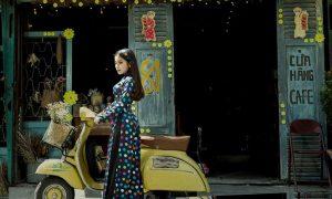 'Hot girl ví dặm' hoá Cô ba Sài Gòn, khoe vòng 'eo con kiến' 56 cm