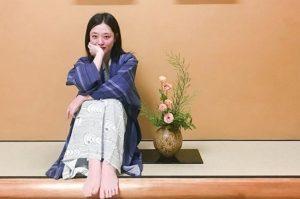 Sulli xinh đẹp như hoa ở Nhật Bản