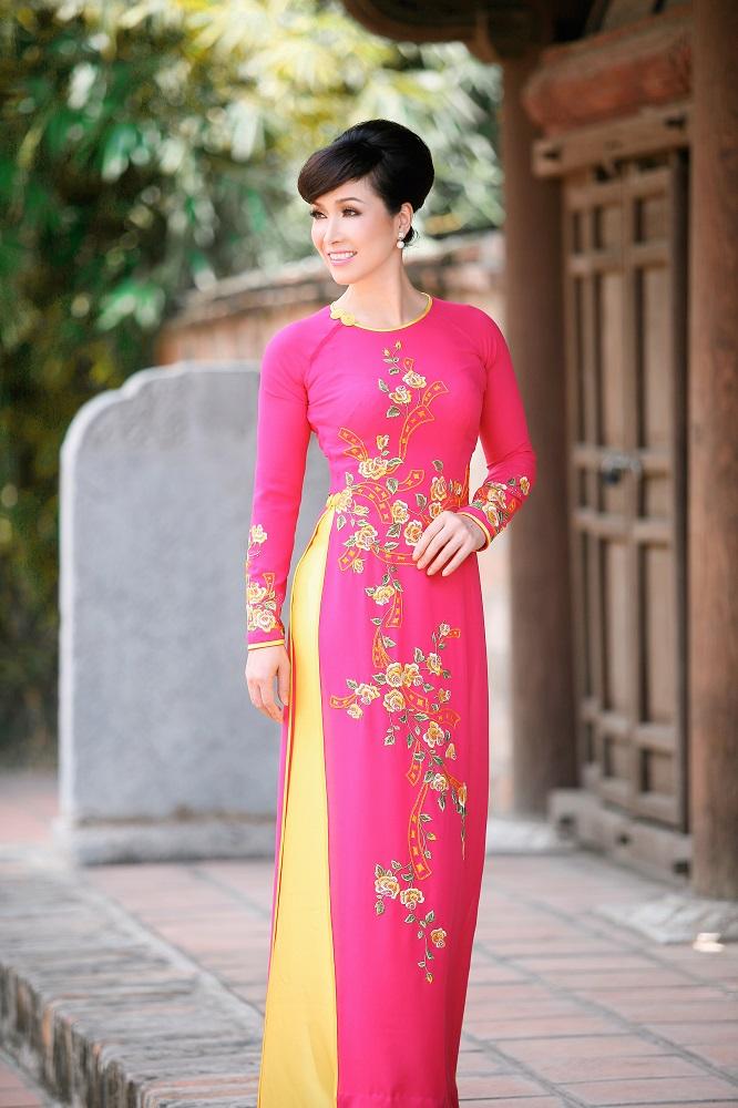 Bùi Bích Phương đăng quang Hoa hậu Toàn quốc báo Tiền Phong 1988 – tiền thân của Hoa hậu Việt Nam