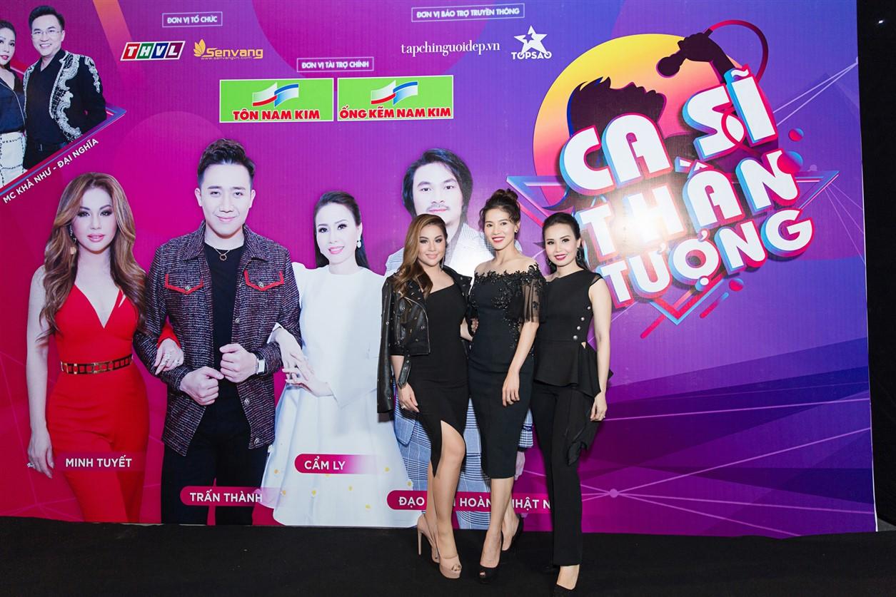 Chị em ca sĩ Cẩm Ly - Minh Tuyết và chị Phạm Kim Dung - Giám đốc sản xuất chương trình Ca sĩ thần tượng