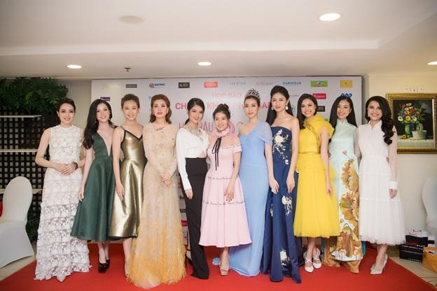 Dàn người đẹp, Hoa hậu qua các năm cùng Phó Trưởng ban tổ chức Hoa hậu Việt Nam 2018 Bà Phạm Kim Dung