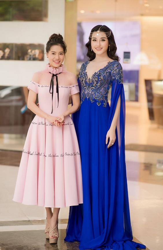 Á Hậu Huyền My cùng Bà Phạm Kim Dung, Phó trưởng ban tổ chức cuộc thi Hoa hậu Việt Nam 2018