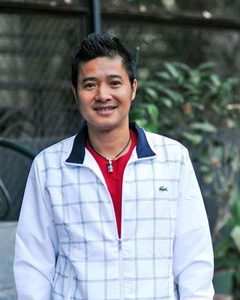 Danh thủ Hồng Sơn - tiền vệ mang áo số 8
