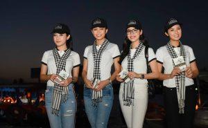 4 mỹ nhân Việt xinh đẹp gây chú ý ở Chợ nổi miền Tây