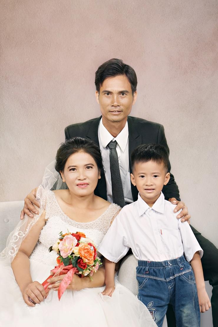 Người đẹp nhân ái Hoa hậu Việt Nam - Những tấm ảnh cưới chứa đựng hạnh phúc