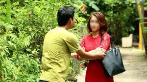 Chê chồng nghèo hèn rách rưới và ngang nhiên có nhân tình, người vợ nhận cái kết bất ngờ