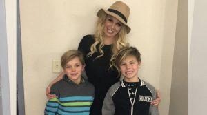 Britney Spears tiếp tục khốn đốn vì chồng cũ đòi thêm tiền trợ cấp nuôi con