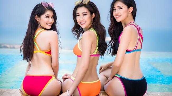 Top 3 Hoa hậu Việt Nam 2016 diện bikini nóng bỏng khoe dáng bên hồ bơi dát vàng