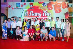 Vừa đặt chân về Hà Nội, Á hậu Phương Nga liền đi làm thiện nguyện