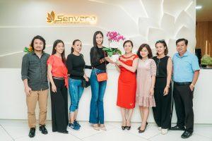 """Hoa hậu Trần Tiểu Vy: """"Sự quan tâm, chăm sóc của anh chị trong ekip đã giúp tôi rất nhiều trong cuộc thi"""""""