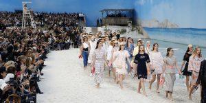 Chanel Spring Summer 2019: Để người mẫu catwalk chân trần, đi biển vẫn sang chảnh ngút ngàn