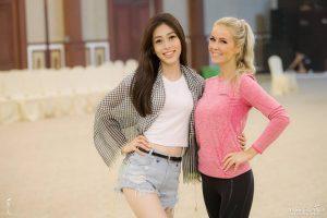 Nhanh trí như Á hậu Bùi Phương Nga, tranh thủ giờ luyện tập tại Miss Grand International để quảng bá văn hóa Việt ra thế giới