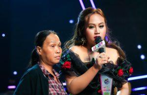 Vượt ngàn gian truân, Quán quân Ca sĩ thần tượng Phạm Đan Trang dành món quà đăng quang tặng mẹ