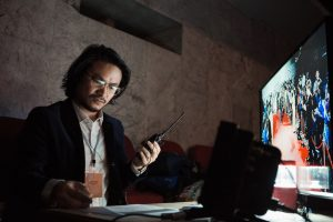 Đạo diễn Hoàng Nhật Nam biến hóa khôn lường giữa nghệ thuật sân khấu và điện ảnh trên sân khấu Liên hoan phim quốc tế Hà Nội