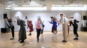 Chất chơi như NCT: mặc nguyên bộ đồ Halloween lao vào phòng tập, thế là được 2 clip nhảy xịn sò