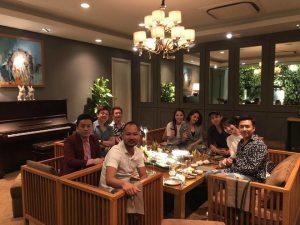 Ngồi cạnh nhau trong bữa tiệc, liệu rằng Bảo Anh và Hồ Quang Hiếu có tái hợp sau 1 năm chia tay?
