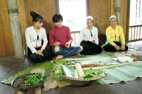 Tim cùng Phương Thảo khám phá ẩm thực bản Mường