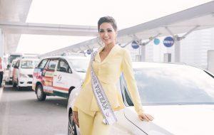 Diện trang phục vàng nổi bật, H Hen Niê mang 12 vali đựng 90 bộ quần áo đến Miss Universe 2018