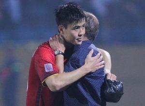 """Trước giờ bóng lăn: Duy Mạnh đăng ảnh thắm thiết với """"oppa"""" Park Hang Seo"""