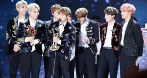 BTS gặp phải tai nạn xe hơi vì fan cuồng bám theo khi đang lưu diễn ở Đài Loan