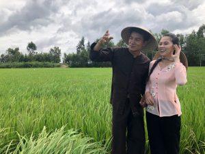 Việt Nam Mến Yêu: Hiếu Nguyễn hóa chàng nông dân thả dáng bắt chuột đồng ở Cao Lãnh