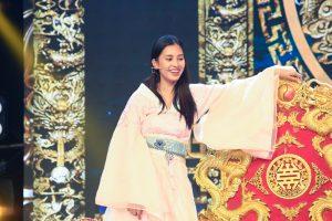 Hé lộ hậu trường mặt mộc đẹp xuất sắc của HH Tiểu Vy với vai diễn tiên nữ trong Táo Xuân Kỷ Hợi 2019