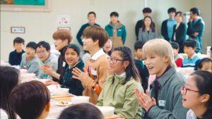 """Nhìn NCT """"cưa đổ"""" cả đám con nít mới thấy trình độ thượng thừa"""