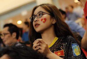 Hotgirl Nhật Lê đáp trả vì bị cho 'dựa hơi' Quang Hải để nổi tiếng
