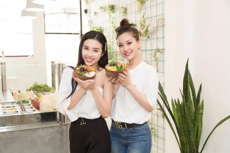 Xuống đường ăn vặt thôi mà có cần đẹp đến vậy không Á hậu Diễm Trang, Thúy An ơi!