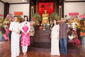 Á hậu Tường San đưa Miss International dạo quanh Sài Gòn