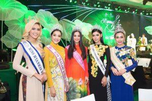 Tiểu Vy nổi bật giữa dàn Hoa hậu quốc tế