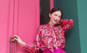 """Yêu Phillip Nguyễn giàu """"nứt đố đổ vách"""", Linh Rin lại vui cả ngày khi thiếu gia tặng 1 bó hoa: Đẳng cấp """"chiêu dụ lòng người"""" ở phía sau!"""
