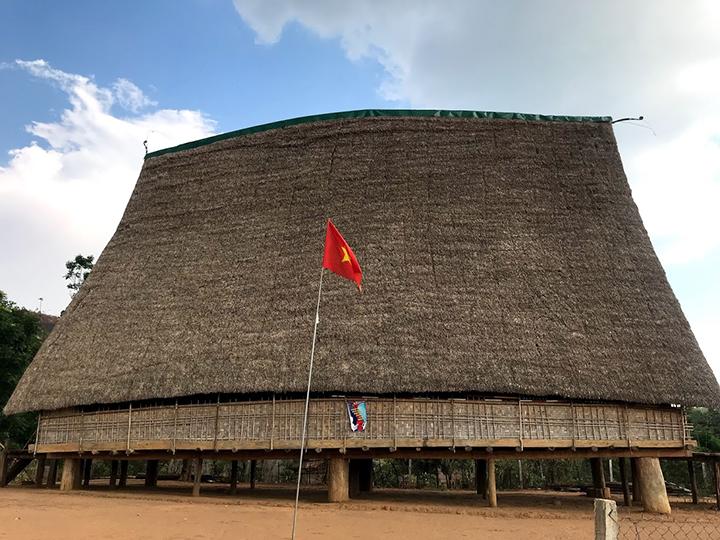 Nhà rông tại Kon Tum