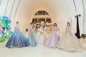 Choáng ngợp với màn biến hóa xuất sắc của dàn Hoa hậu, Á hậu đình đám xúng xính xiêm y, nô nức dự đại tiệc thiên kim nhà Tổng đạo diễn Hoàng Nhật Nam