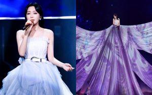 Màn xuất hiện hoành tráng nhất sóng truyền hình: Tần Lam gây sốt với chiếc váy siêu ảo diệu phá đảo cả Weibo