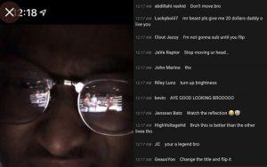 """Livestream """"lậu"""" nhờ dùng kính râm phản chiếu màn hình: Thanh niên lách luật level max khiến YouTube cũng chịu bó tay"""