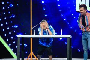 Don Nguyễn há hốc miệng khi thấy Hùng Thuận hoảng sợ đạp phải lươn