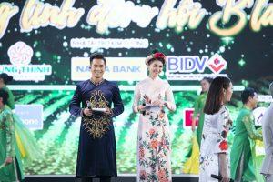 MC Trí Thuận sánh đôi cùng Á hậu Thùy Dung dẫn dắt lễ khai mạc Tuần Văn hóa Trà và Tơ lụa Bảo Lộc