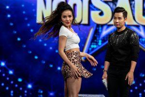 Phương Trinh Jolie và Hotgirl Linh Miu đọ tài múa tóc
