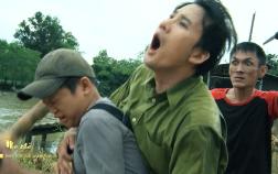 Mẹ ghẻ tập 10: Bảo vệ con trai của tình cũ, Phong bị giang hồ đâm trọng thương