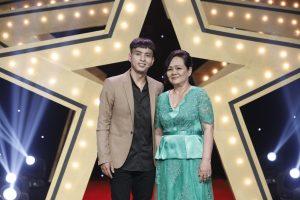 Lúc bồng bột tuổi trẻ hay thành công trong sự nghiệp, Hồ Quang Hiếu luôn có mẹ bên cạnh