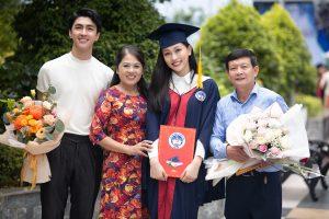 """Á hậu Phương Nga khiến bao người phải công nhận """"Tài sắc vẹn toàn"""" khi tốt nghiệp Đại Học với thành tích cực kì khủng"""