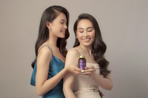 """""""Bật mí"""" món quà bất ngờ Hoa hậu Tiểu Vy dành tặng mẹ nhân dịp 20.10"""