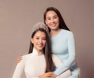 Hoa hậu Tiểu Vy lần đầu khoe sắc cùng mẹ trong bộ ảnh nhân ngày 20/10