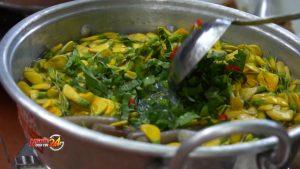 Lẩu chua cá linh bông điên điển vào top 100 món ăn đặc sản Việt Nam