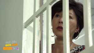 """Sui gia khắc khẩu tập 49: Phương Dung hoá """"sầu nữ"""" vì không thể chen vào mối quan hệ """"mập mờ"""" giữa Hoài Linh và Thanh Hằng"""