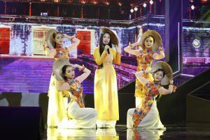 Minh Tuyết tiết lộ tính nhút nhát của Như Quỳnh dưới sân khấu