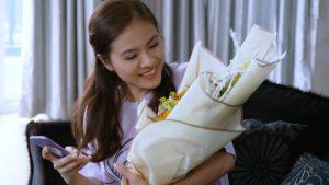 Lương Thế Thành muốn tặng hoa cho Vân Trang nhưng lại ngại thể hiện tình cảm
